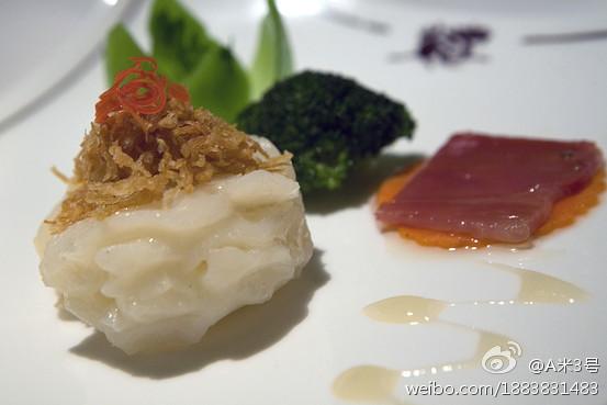 """香港半岛酒店嘉麟楼中餐厅的美味又养眼的""""玻璃虾球"""""""