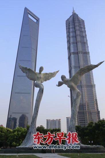 大梅沙羽翼人像雕塑