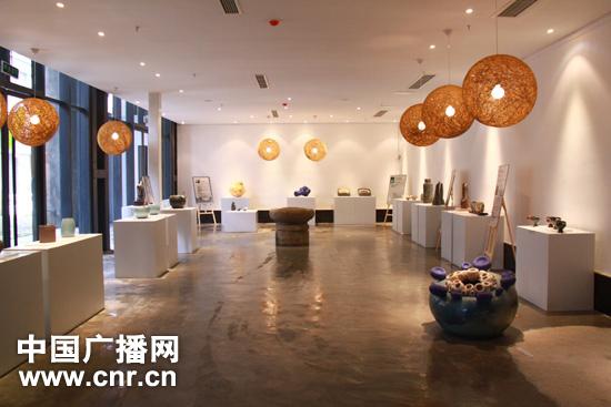 成都双年展:市民热议现代设计理念和艺术产品钢结构v市民与装修设计相同吗图片