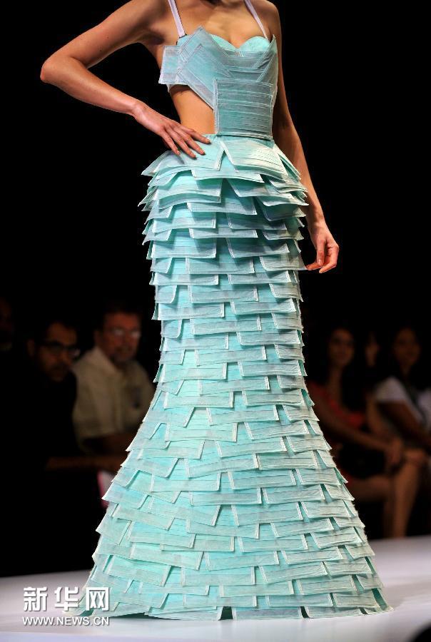【图】印度服装设计师展示另类时尚