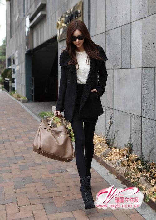 黑色短棉袄搭配