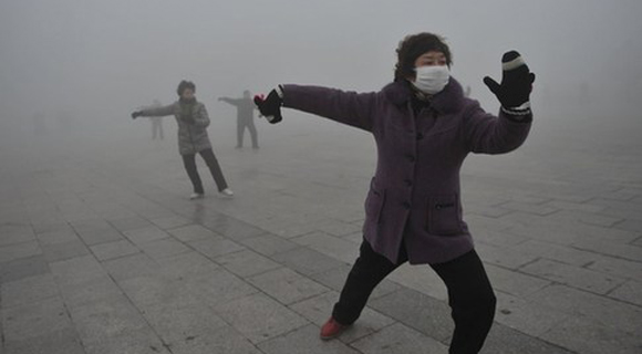 八成地方两会关注雾霾天