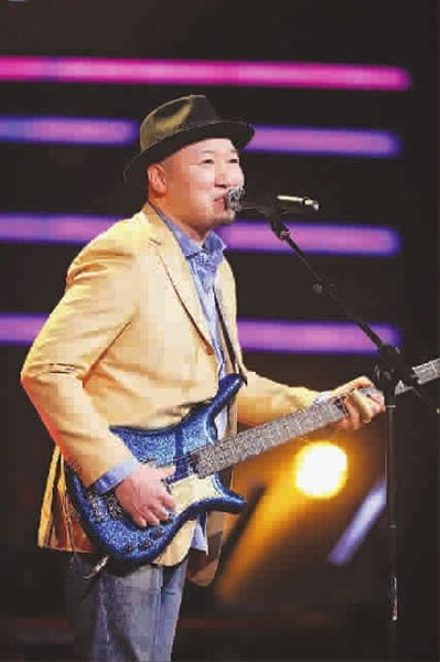 """""""中国第一贝斯手""""摇滚乐前辈张岭,被导演拉去《中国好歌曲》"""