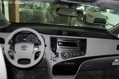 车向来在轮毂配置方面不吝啬.   丰田塞纳车舱不仅宽阔,安静,高清图片