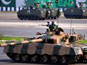 中国造主战装备露脸巴基斯坦